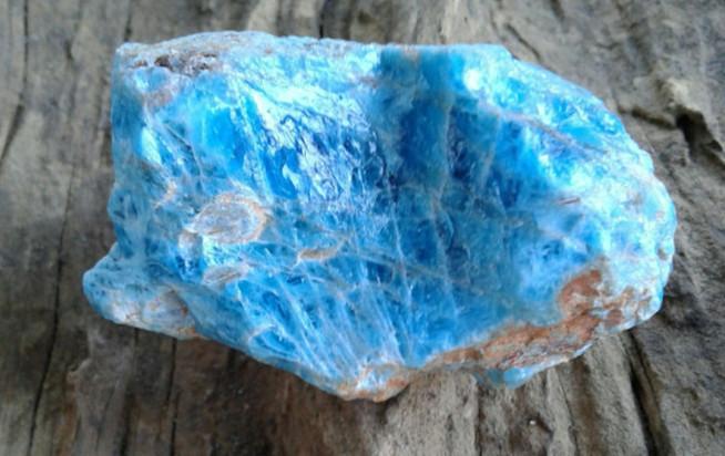 Blue apatite healing the throat chakra